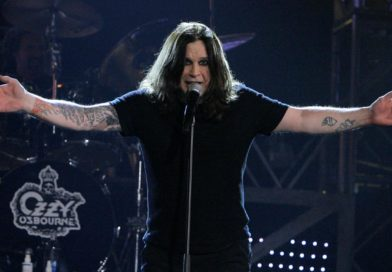 "Ozzy Osbourne hizo ""Bark at the Moon"" durante el eclipse"
